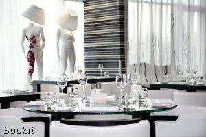 WestCord Fashion Hotel Amsterdam is gelegen tegenover het World Fashion Centre in Amsterdam, binnen de ring van de A10. Laat u verrassen door de trendy sfeer in dit unieke design hotel.
