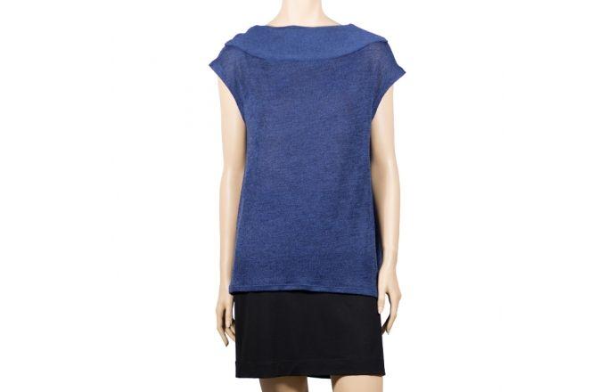 Chaleco azul de punto con cuello vuelto. #Verano2016 #moda