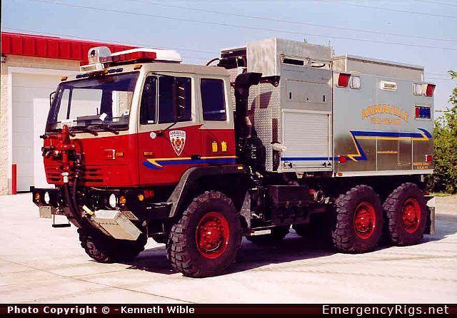 Wildland Fire Trucks | Saulsbury Commercial Cab Wildland Emergency Apparatus Fire Truck Photo
