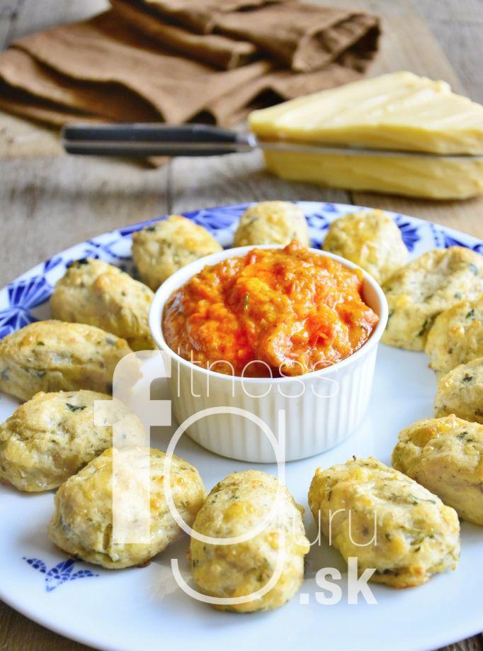 Karfiolové nugetky s paradajkovou salsou