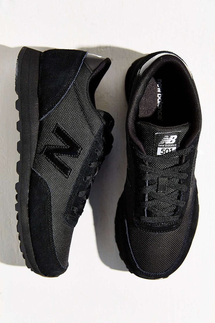 these new all black new balances are so good! find more inspiration for your fridays on jojotastic.com