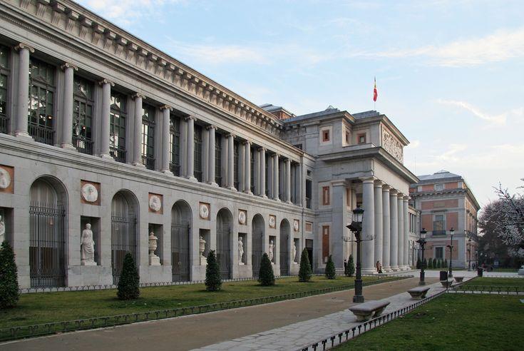 Museo del Prado in Madrid. El museo del prado es un museo centrado en el art. El precio de admisión general es de 14 euros. El museo está abierto de Lunes a Sábado, de 10 de la mañana hasta las 7 de la noche.