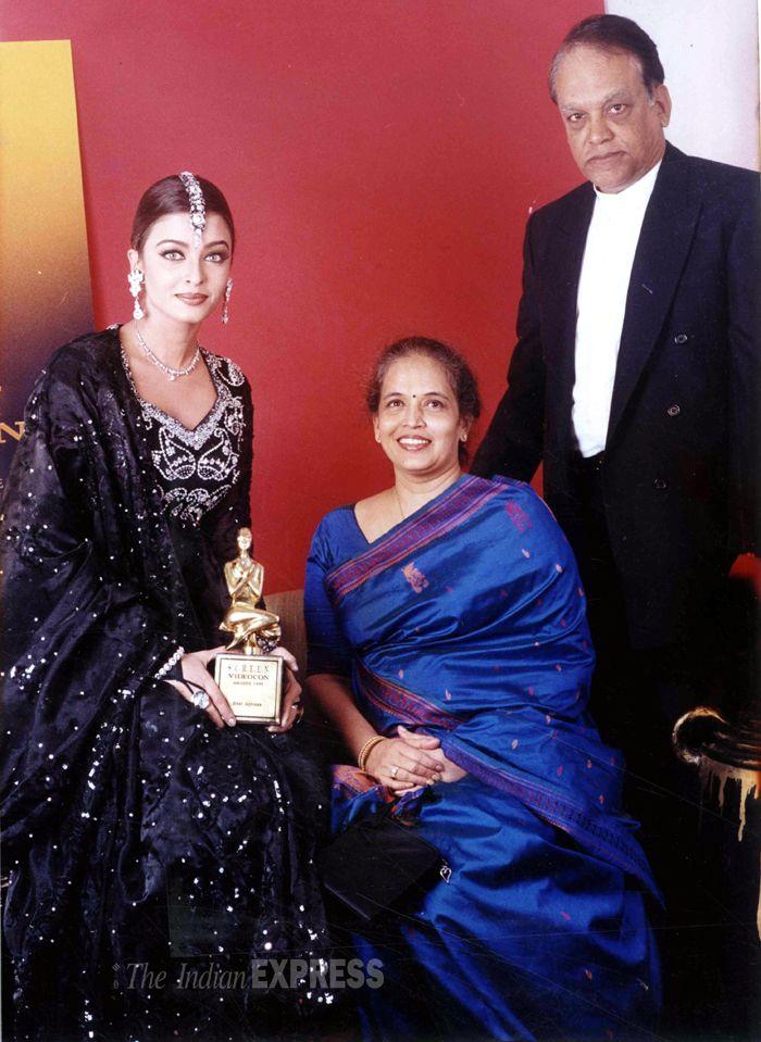 Aishwarya Rai with her parents Krishnaraj and Brinda. #Bollywood #Fashion #Style #Beauty