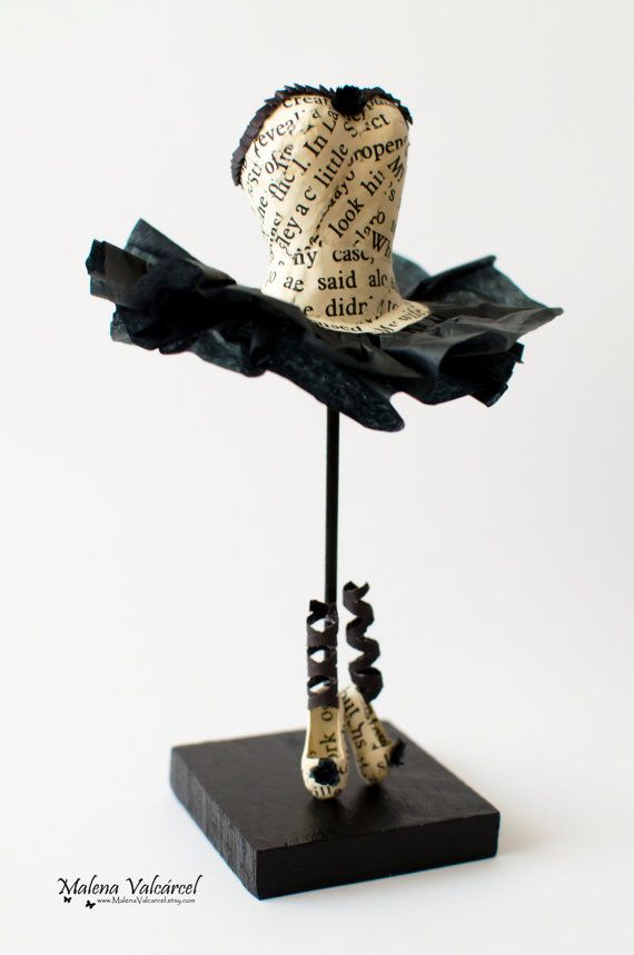 Vestido y zapatos de Papel de bailarina - Escultura de Papel - Vestido Miniatura de Papel