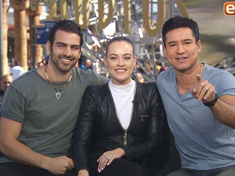 "Ahead of tonight's episode of ""Dancing with the Stars,"" contestant Nyle DiMarco and pro dancer Peta Murgatroyd sat down with ""Extra's"" Mario Lopez at Universal Studios Hollywood, where Nyle revealed some of interesting facts about his family.…"