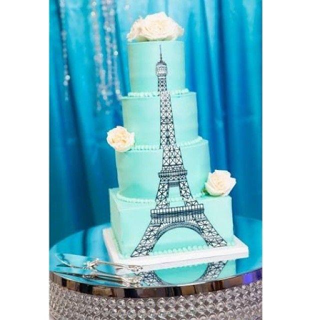 Eiffel Tower Wedding Cake