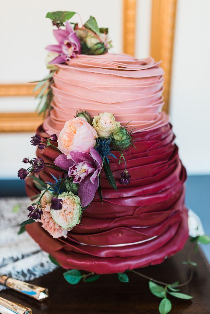 Red blush cake for Amazing wedding cake decoration game