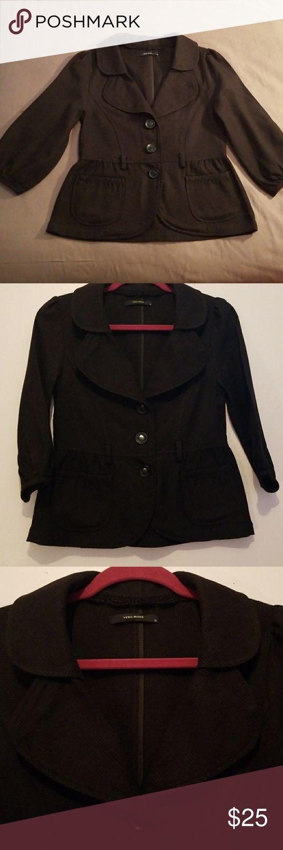 Vero moda blazer jackets Vero mods blazer jackets excellent conditions  lightly used color black size 34  3/4 sleeve super cute great with jeans Vero Moda Jackets & Coats Blazers