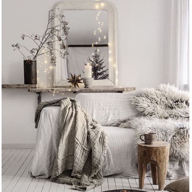 ''Tis the season'. Our Crush linen throws are the perfect addition to either your gift or your wish list. Spirit and style captured by our wonderful friend @vintagepiken Line Kay
