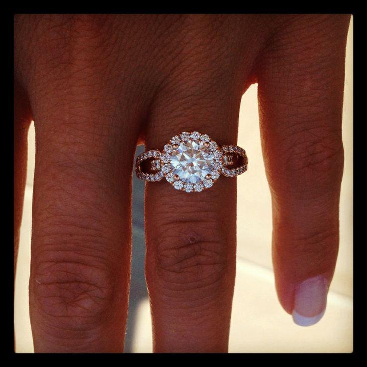 rose gold engagement ring !
