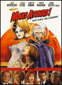 DVD CINE 1820 -- Mars attacks! (1996) EEUU. Dir.: Tim Burton. Ciencia ficción. Películas de culto. Sinopse: parodia dos filmes de ciencia ficción dos anos 50. Uns pratos volantes procedentes de Marte atópanse sobre todas as capitais do mundo, e toda a humanidade contén a respiración esperando ver cales son as súas intencións. Entre eles está o presidente dos Estados Unidos, cuxo asesor científico lle asegura que serán absolutamente pacíficos.