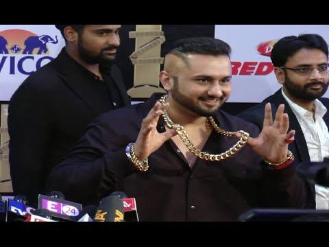 Yo Yo Honey Singh at ZEE CINE AWARDS 2016 red carpet.