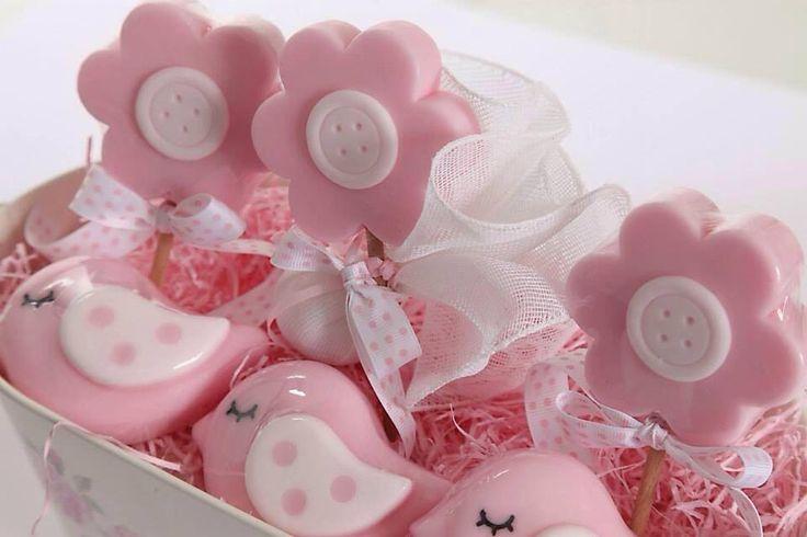 Μπομπονιέρες σαπουνάκια! Stick λουλουδάκι & ροζ πουλάκι. Όλα τα σχέδια μπορείτε να τα δείτε στο κατάστημά Nikolas Ker Ελ. Βενιζέλου 131, Νέα Ιωνία-Αθήνα www.nikolas-ker.gr