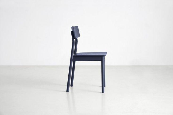 https://www.fotoagent.dk/single_picture/12134/138/mega/100005_Pause_dining_chair_3.jpg