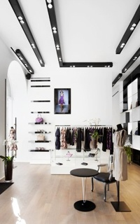"""Secret in our City: """"Rogwiller"""" - Only 2 steps away from Boulevard de Waterloo you will discover boutique 'Rogwiller' that offers Haute Couture for Women as well as refined leather goods. Address: Rue de Namur 99, 1000 Brussels  #Brussels #Fashion"""