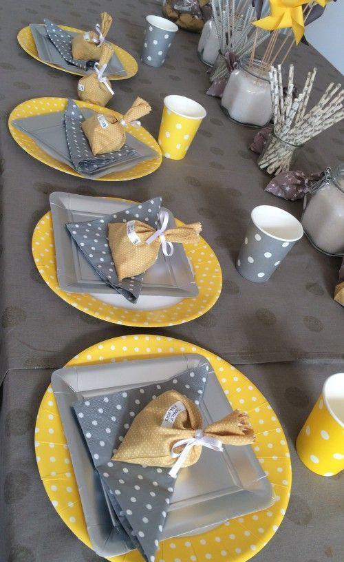 bapt me jaune et gris couture pinterest deco bapteme. Black Bedroom Furniture Sets. Home Design Ideas