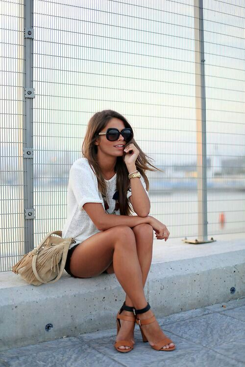This is really cute. definitely going to be the type of clothes I'll wear this summer :)