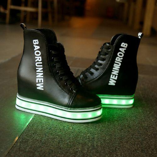 Noir Chaussures Qui S'Allumen Wedges