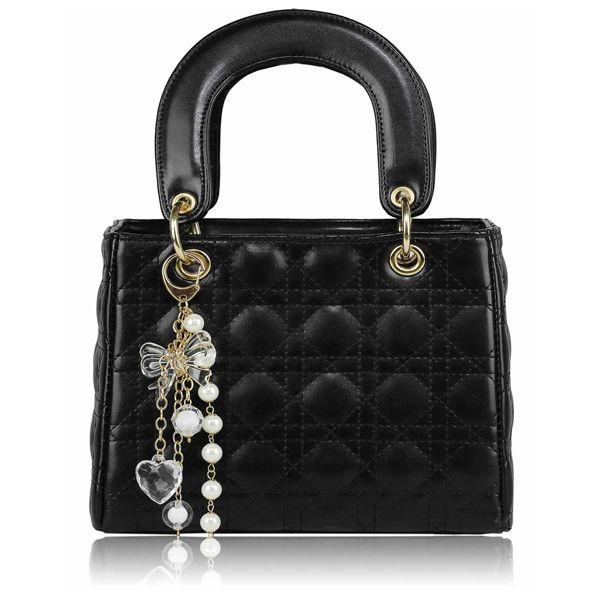 O geanta eleganta ce iti va intregi si evidentia tinuta! Glamour!