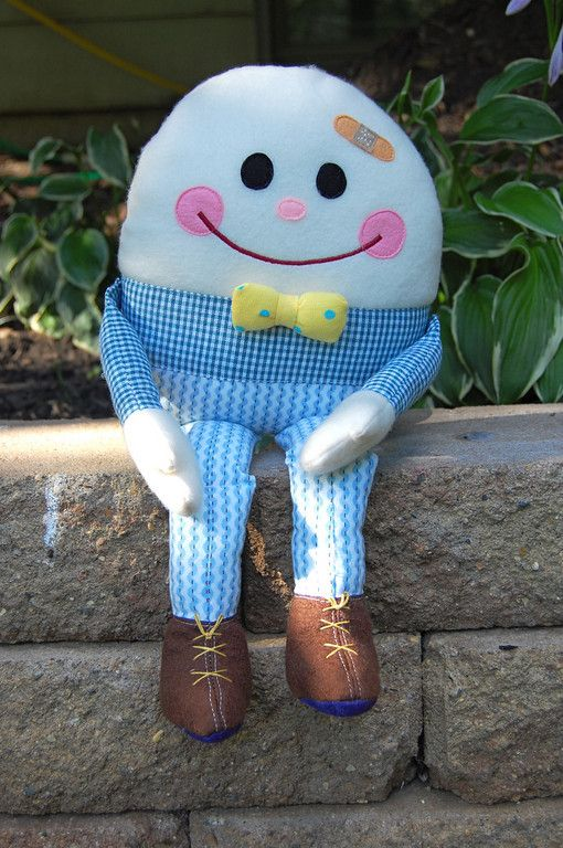 "Humpty Dumpty with buttons so that you can ""put humpty dumpty together again"""