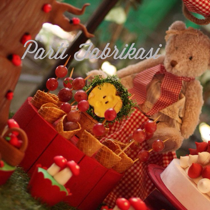 Picnic themed party teddy bear party