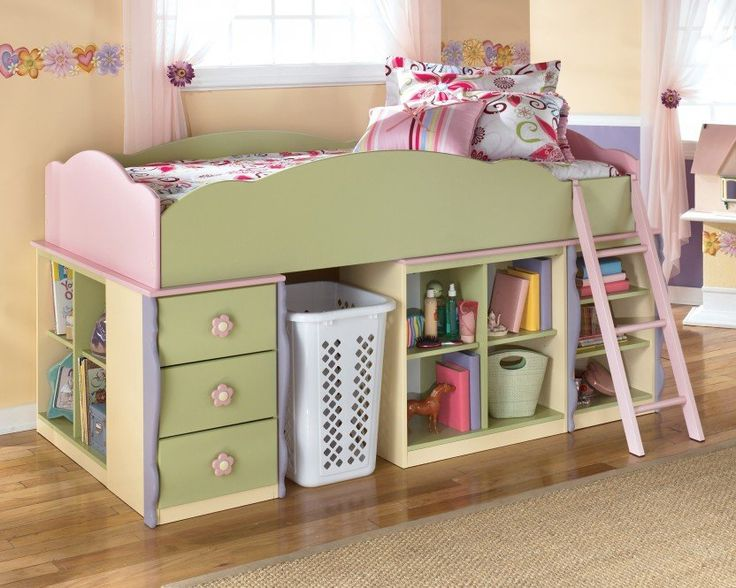 Such a cute bed and great idea for maximum storage in a small bedroom.Para Camila con cajones y entrepaños