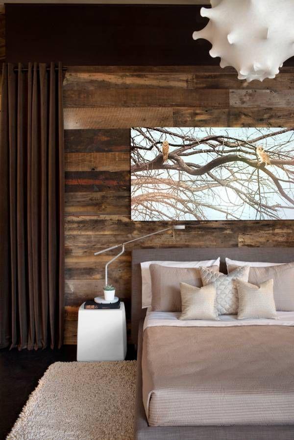 Encore une fois un gros coup de coeur pour ce mur de bois pour la chambre des maîtres!
