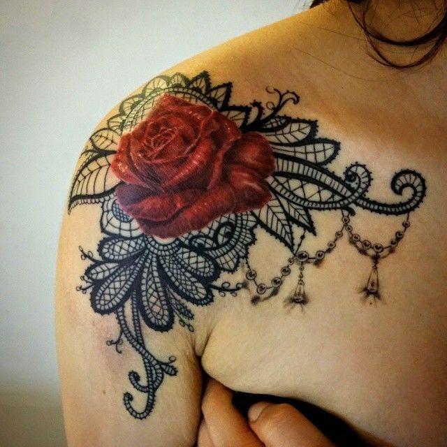 49 besten realistic rose tattoos with filigree bilder auf pinterest rosentattoos augen und. Black Bedroom Furniture Sets. Home Design Ideas