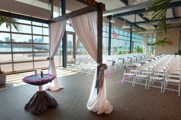 waterfront wedding ceremonies in downtown detroit photo
