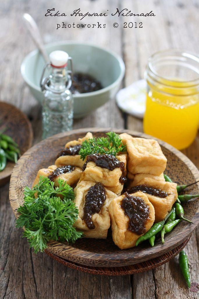 My craving for tahu petis (Deep fried tofu with prawn paste filling)