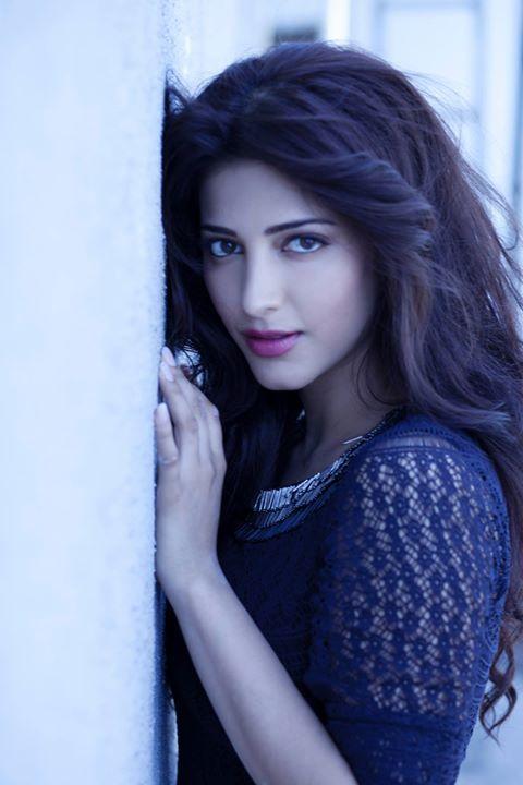 Shruti Hassan hot pics