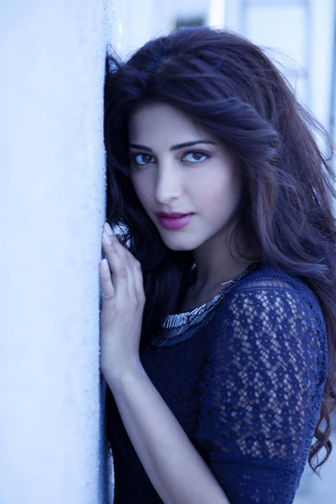 Shruti Hassan, her hair!!!!