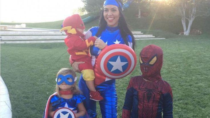 Kourtney Kardashian y sus hijos disfrazados de súper héroes: