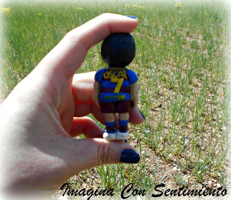 Hoy toca mostraros este #llavero #personalizado, realizado para un amante del #futbol, en concreto del #barcelona!! #hechoamano #handmade #figura #muñeco #personalizado #arcillapolimerica #polymerclay #artclay #llavero #equipos #futbol #barsa #fcbarcelona #regalo #original #futboleros #imaginaconsentimiento