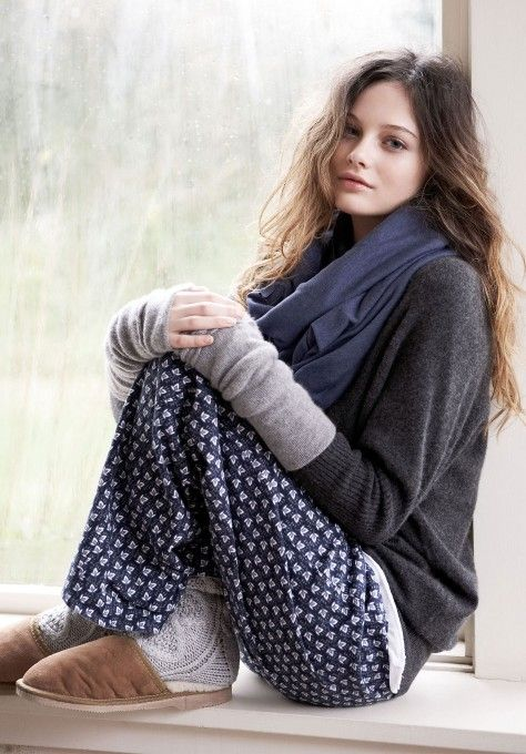 ok now THIS is what you wear on the weekend!!  awesome home-on-a-rainy-day (or any bad weather day) outfit