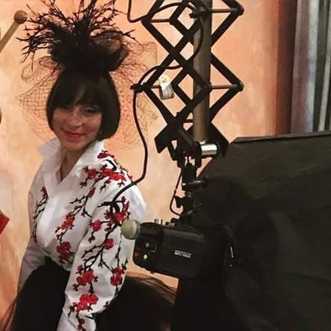 Una creazione eccentrica in piume  crino e Veletta nera.backstagecdelle shooting per @oxanafashion Accessori Handmade Rinaldelli.  #moda #fashion #womenfashion #instaitalia #instaitaly #italy #fascinator #instagood #instadaily #instalike #madeinitaly #arte #artigianato #artigian #ragazza #style #hatsummer #hat #cloche #accessories #artigianatoitaliano #accessoryaddict #modella #modelle #model #igers #igersoftheday #portrait #love #girl