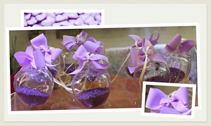 Il viola è il colore piu' di moda per quest'anno. Non solo per matrimoni civili ma anche per celebrazioni da organizzare in chiesa. Per i fiori la nuova tendenze predilige colori lavanda, lilla e viola.