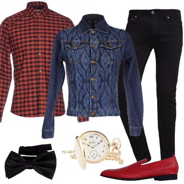 Per l'uomo che ama sempre stupire, uno stile hipster per il giorno e la sera. Jeans skinny alla caviglia, camicia a quadri, giubbotto jeans effetto delave, splendido mocassino in pelle di colore rosso, papillon e orologio da tasca. Un look affascinante da indossare con disinvoltura.