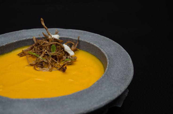 Sopa de Zanahoria, cordero seco, sumo de naranja