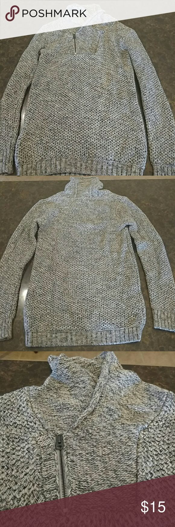 Men's Decree Half-zip Sweater In great condition, black and gray, half-zip with a cowl neck, 100% Cotton, gently used Decree Sweaters Zip Up