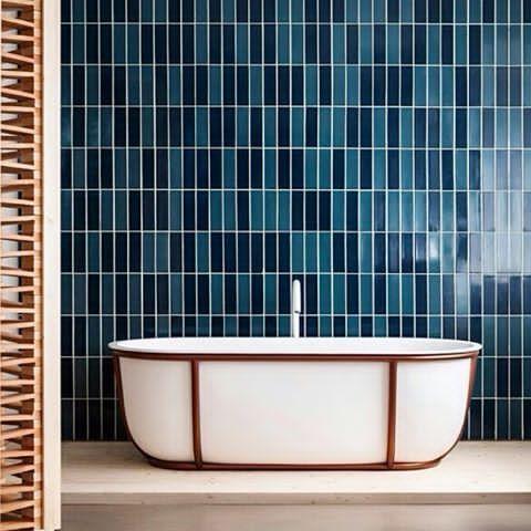 Hva synes du om det nye badekaret designet av Patricia Urquiola? #bad #baderom #badekar #badeglede #badeinspo #baderomsinspirasjon #bobedre #boligpluss #velbehag #comfort_inspirasjon #comfortskøyen #comfortskoyen #hjemmespa Repost @dezeen