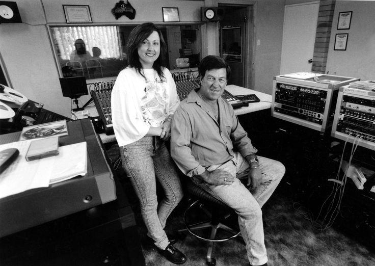 Lindsay Butler Studios - History Pin 6 - Shaza Leigh & Lindsay Butler OAM in their Moonbi Studio - 1999. Photo courtesy NDL #ShazaLeigh, #LindsayButler, #LBSMusic, #australiancountrymusic, #NDL