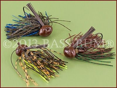 Football jigs, learn what they are and how, when and where to use these bass fishing jigs.