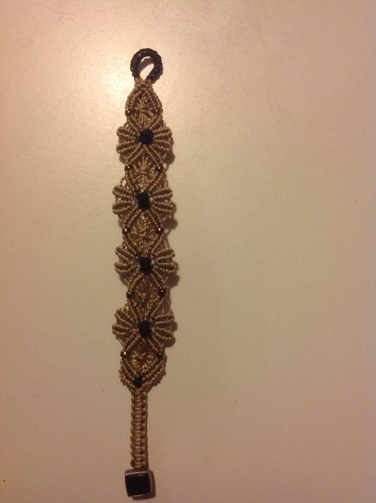 Micro macrame bracelet