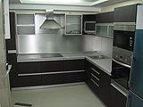 Первый Мебельный предлагает Вашему вниманию кухонные гарнитуры по индивидуальным размерам и дизайну, представлены изделия из шпона.
