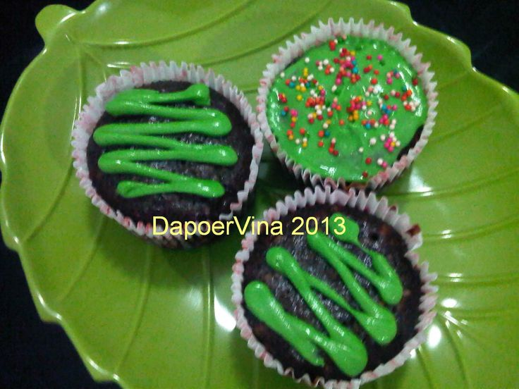 Eggless Cake http://dapoervina.blogspot.com/2013/04/cup-cake-egg-less-and-moist-chocolate.html