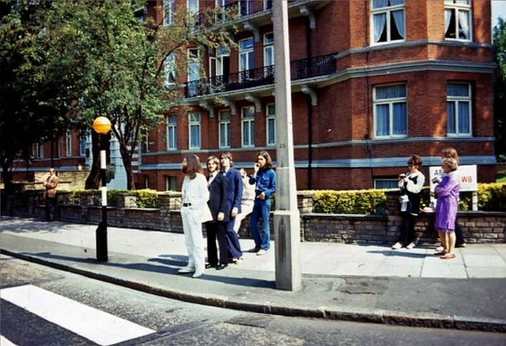 The Beatles - Rare Shots of the Abbey Road Cover Photo Session - Photographer Iain Macmillan