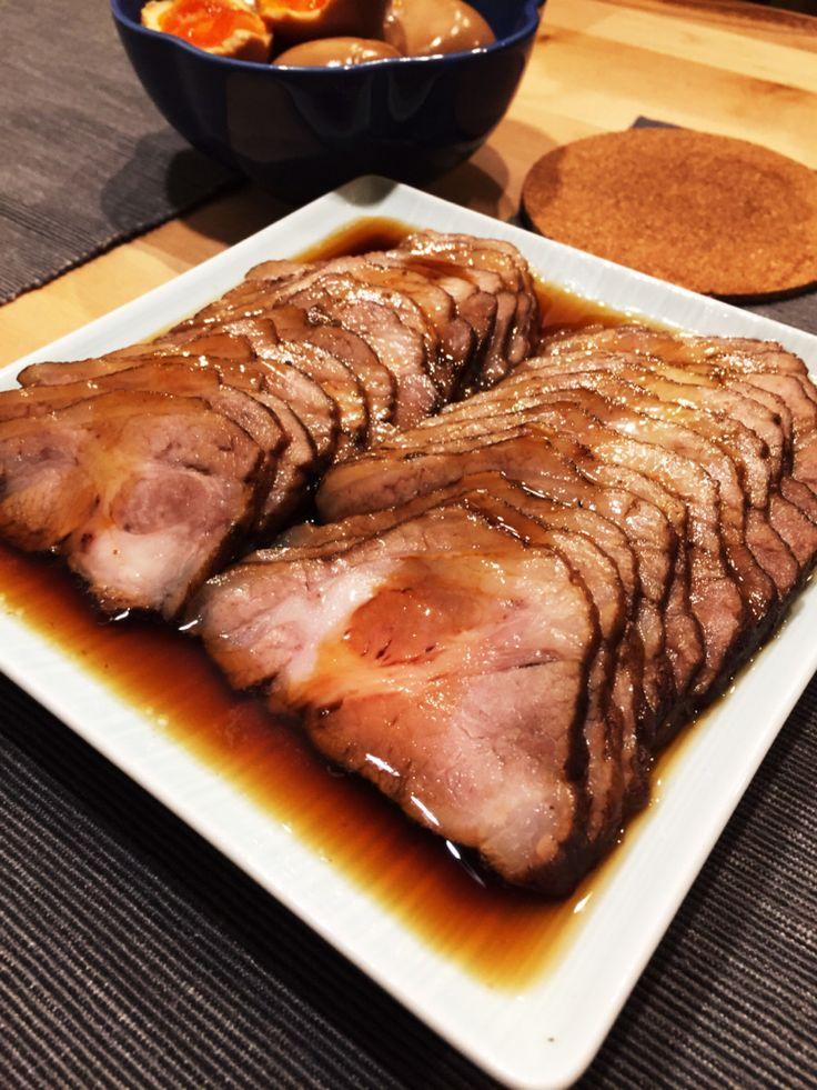 圧力鍋は使わずに、普通の鍋で基本は放っておくだけ! 紅茶が肉を柔らかくしてくれて、あっという間にプロの味です♪