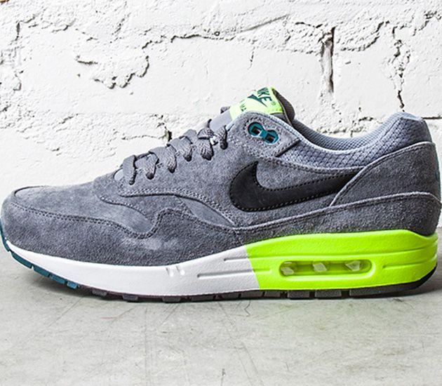 Nike Air Max 1 Premium - Grey / Volt