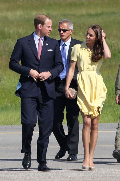 Kate Middleton - Prince William and Kate Middleton at Calgary International Airport 2